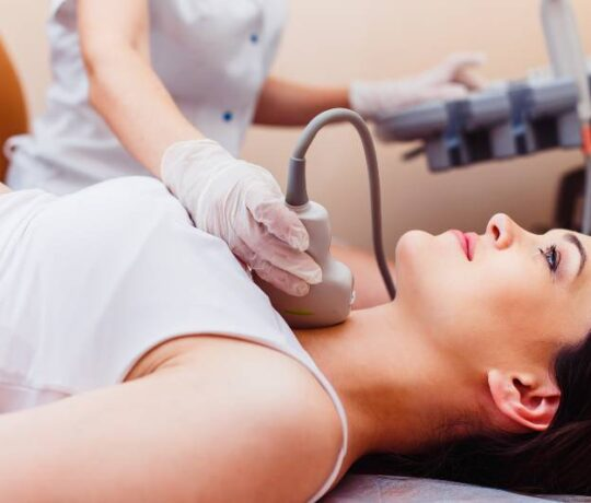 woman gets tested thyroid